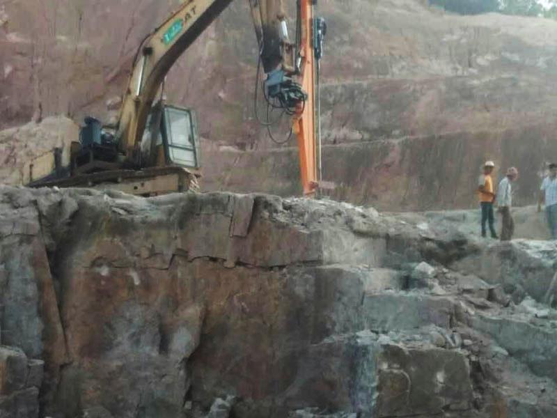 液压凿岩机