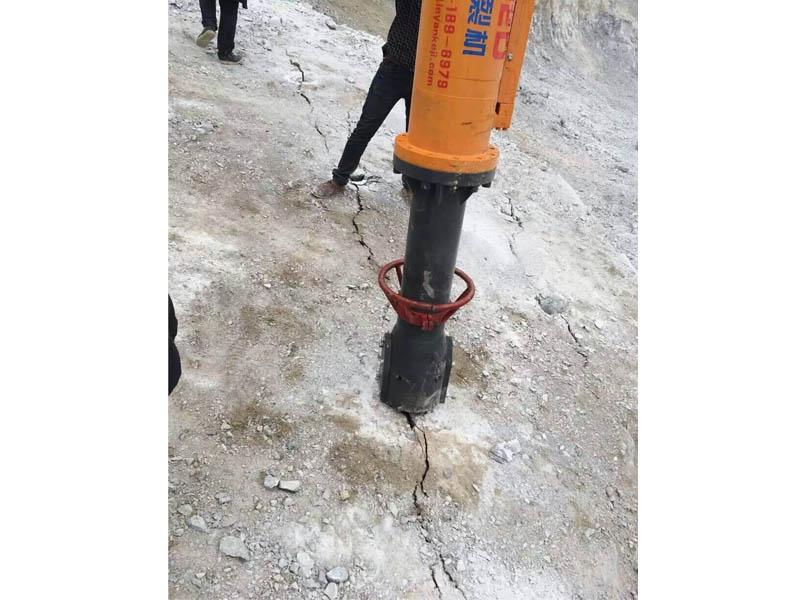 岩石钻裂设备